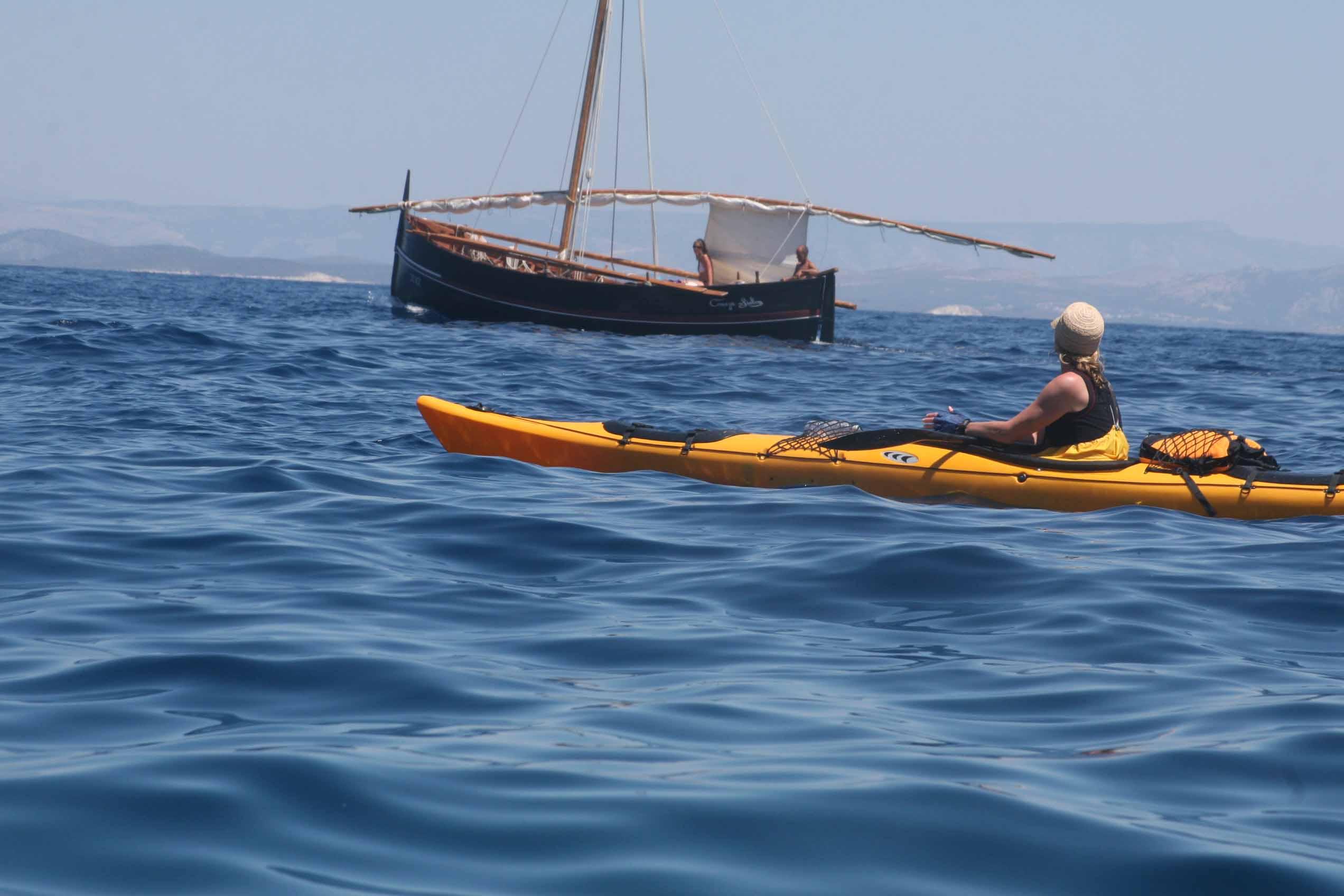 Vis Island kayaking